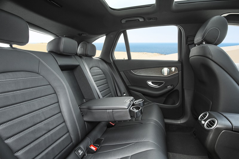 mercedes-glc 300-2017-hàng ghế sau