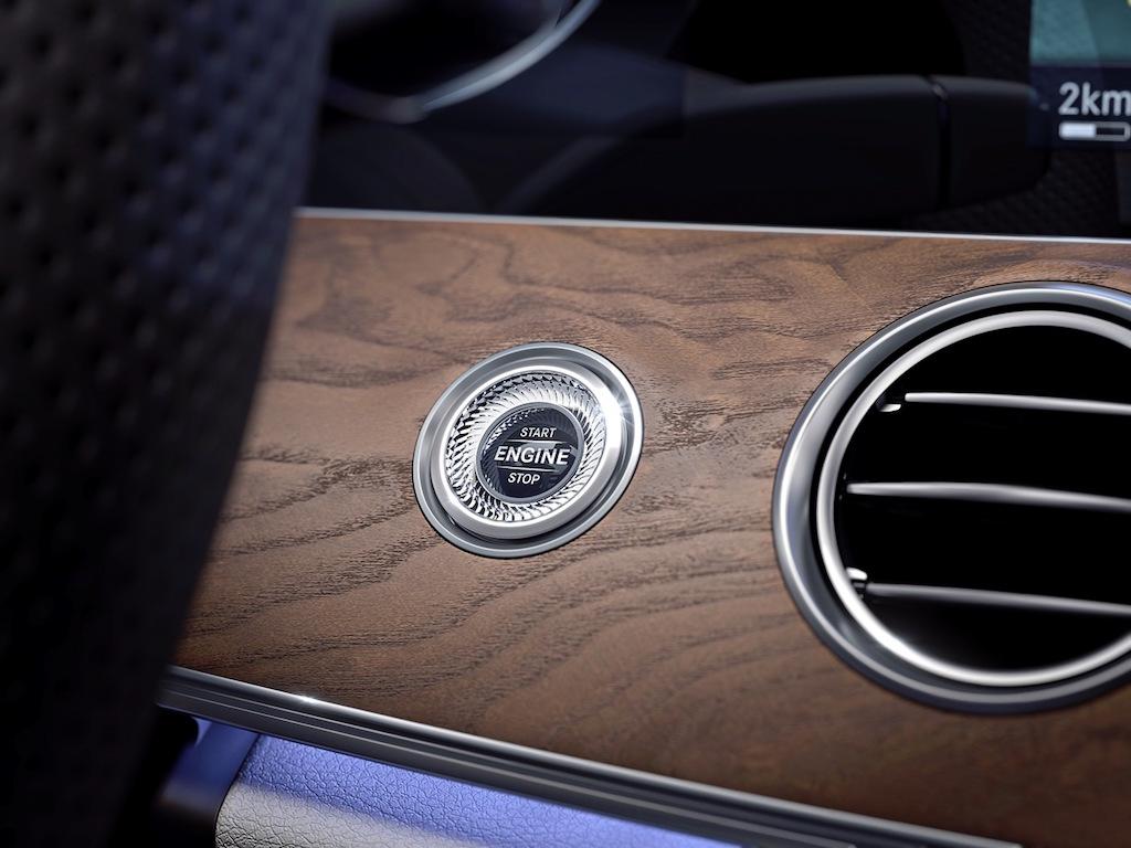 mercedes-E300-AMG-2017- nút startstop