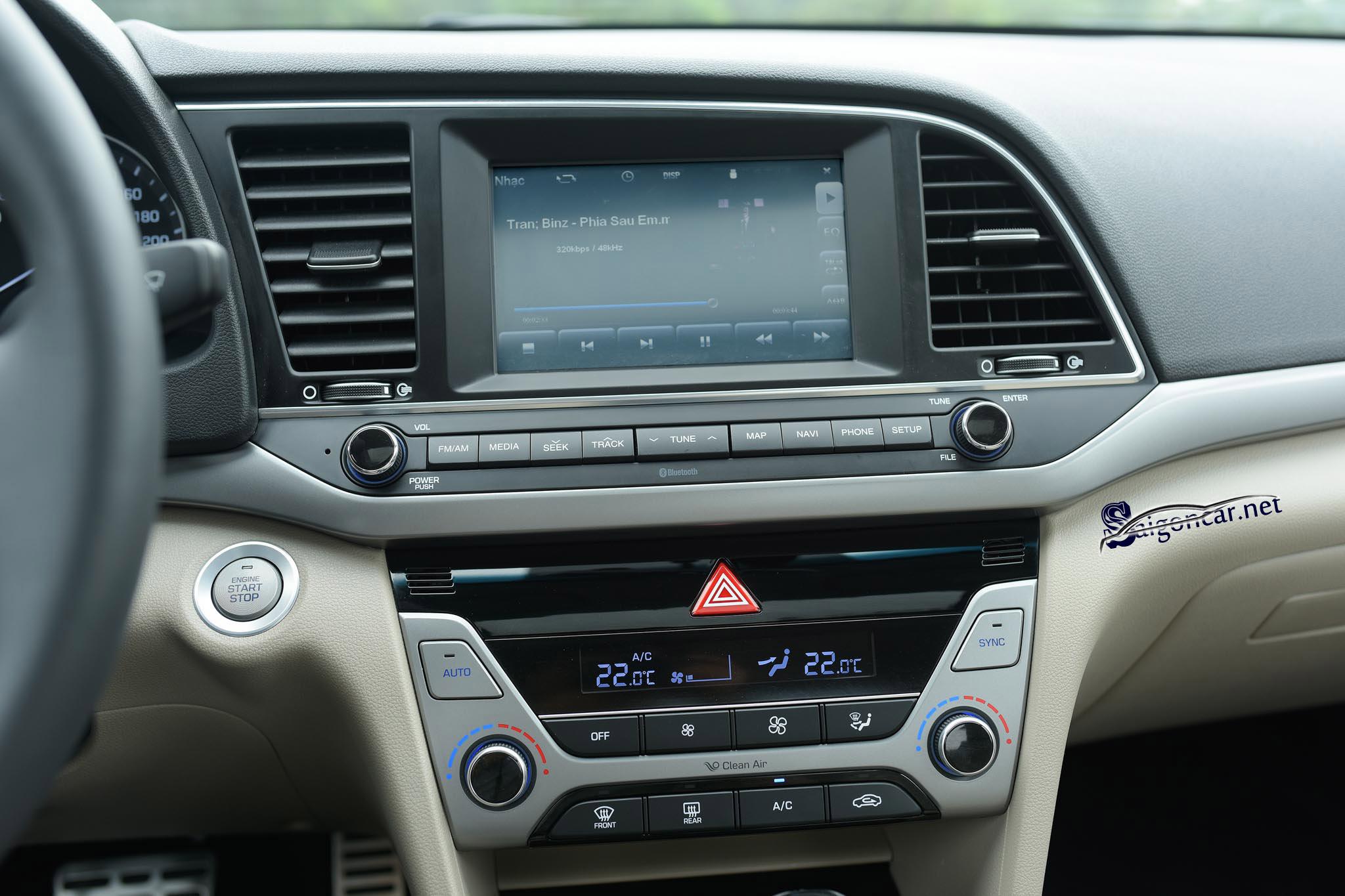 Màn hình Hyundai Elantra 2019