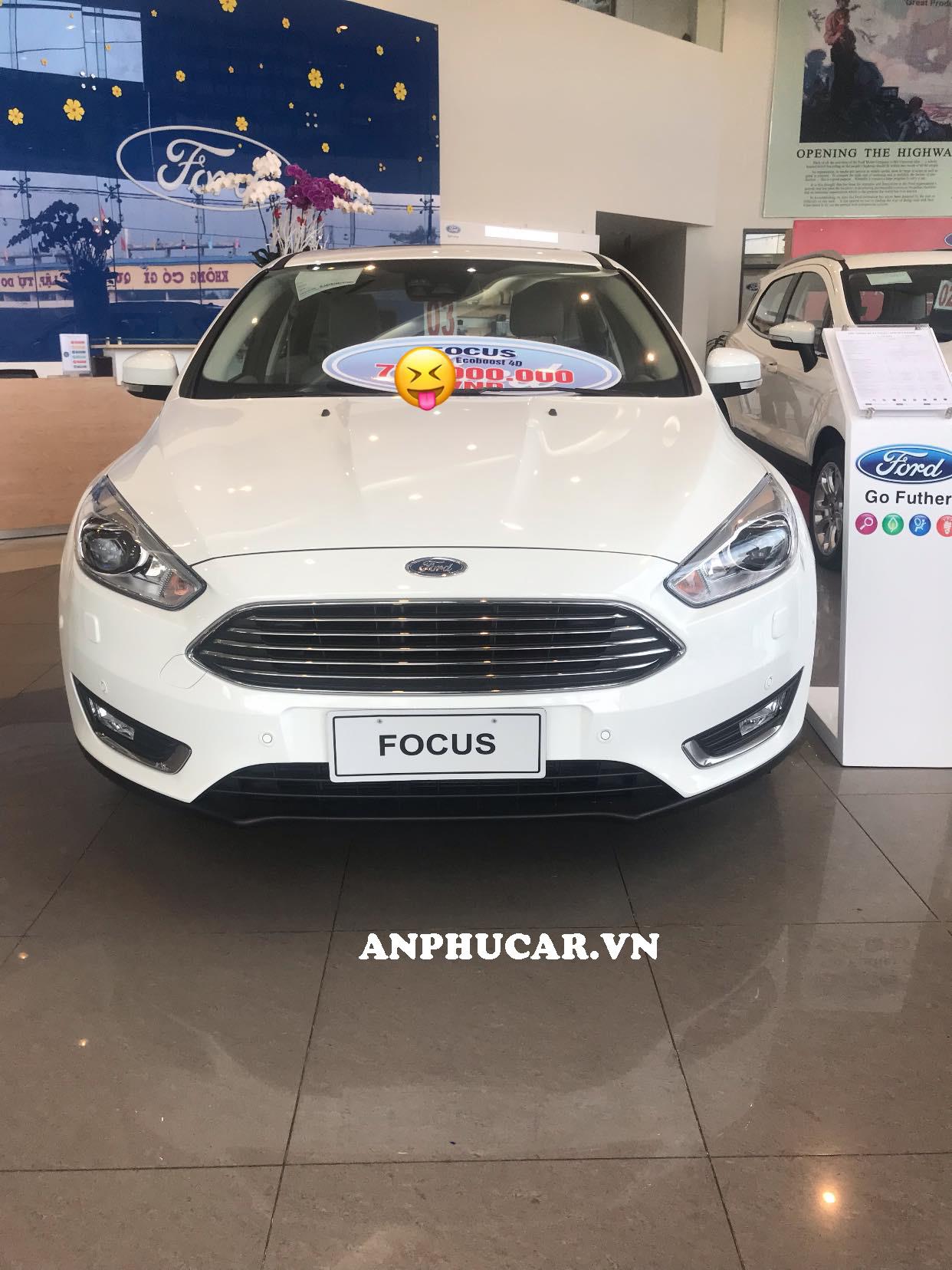 Giá xe Ford Focus 2019