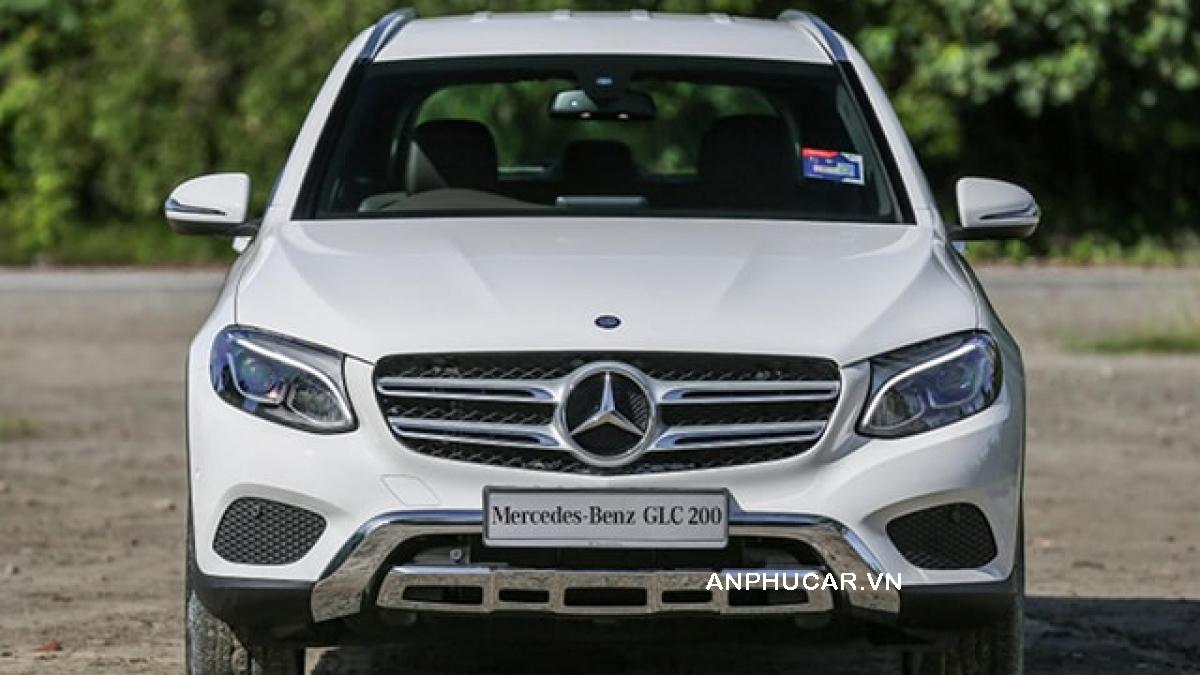 Mercedes-Benz GLC 200 đầu xe