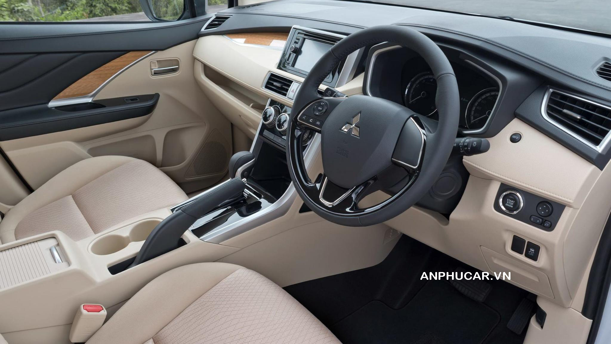 Nội thất khoang lái Mitsubishi Xpander 2020