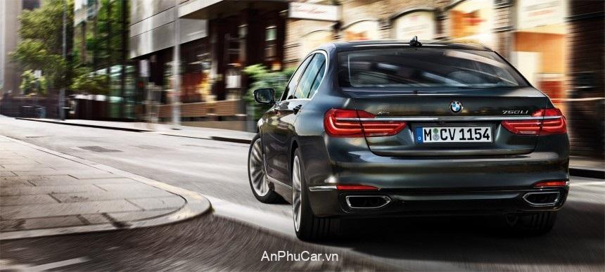 BMW M760 Li XDrive 2020 Duoi Xe
