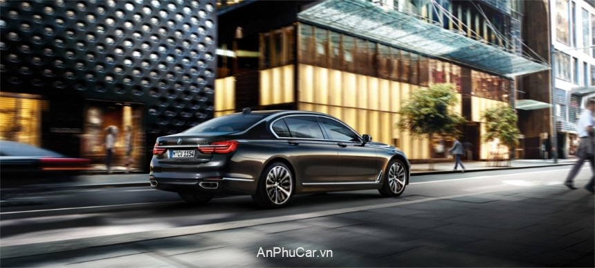 BMW M760 Li XDrive 2020 Hong Xe