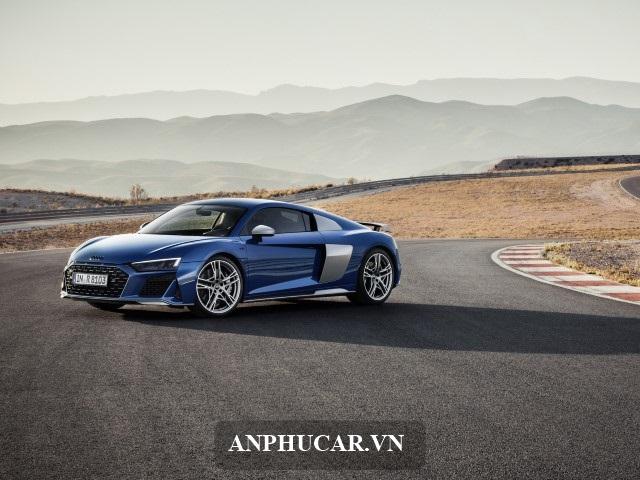 Gia Audi R8 Lan Banh