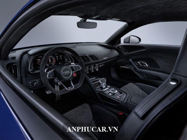 Gia Audi R8 Noi That