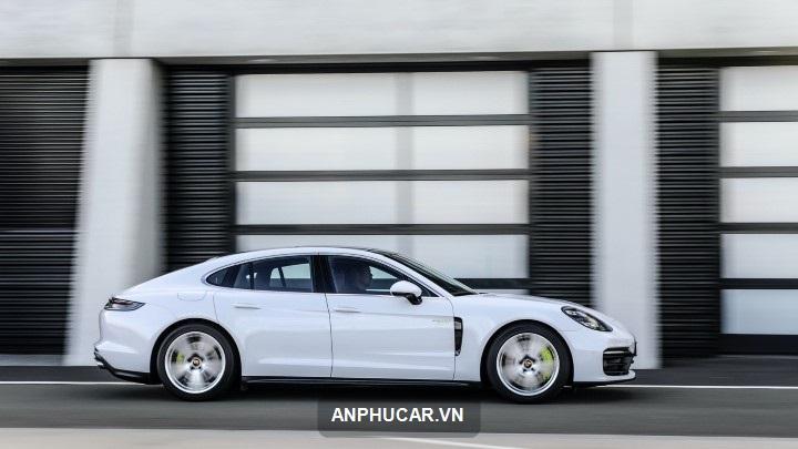 Porsche Panamera 2021 mau trang